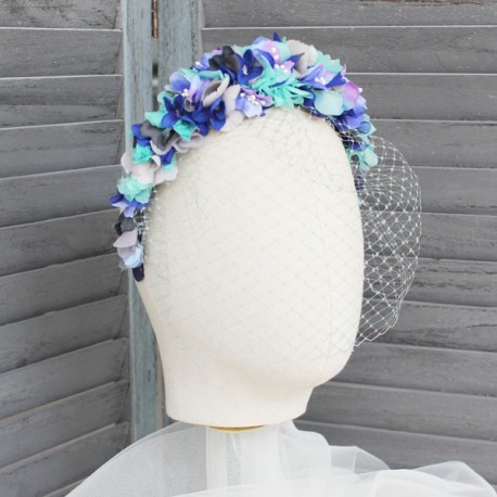 Diadema flores azules